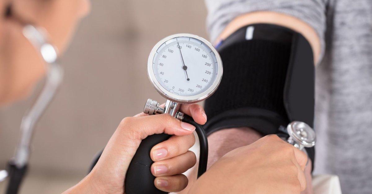 kas gelbsti nuo hipertenzijos