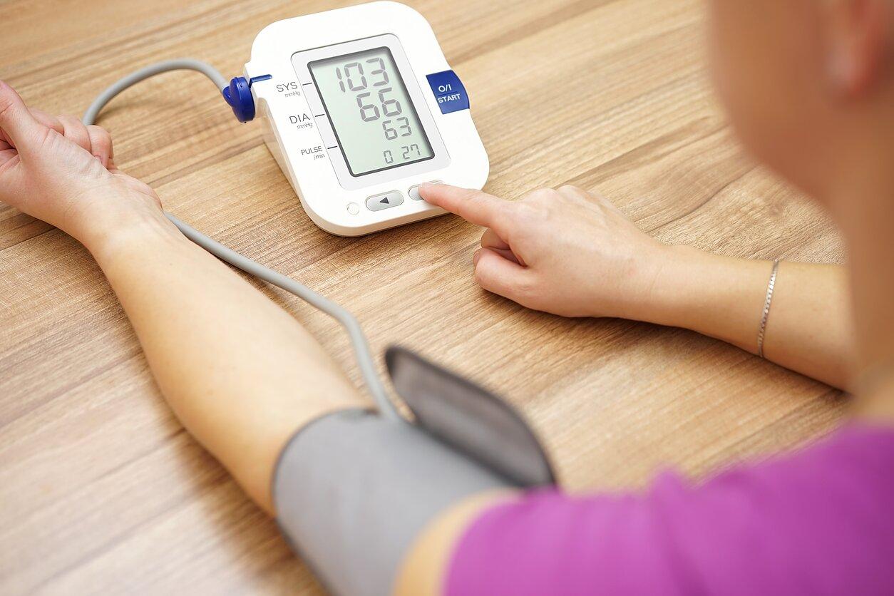 pakiles spaudimas hipertenzija jauname 20 metų amžiuje