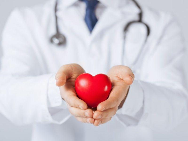 4 galvos širdies rankos ir sveikatos pusės