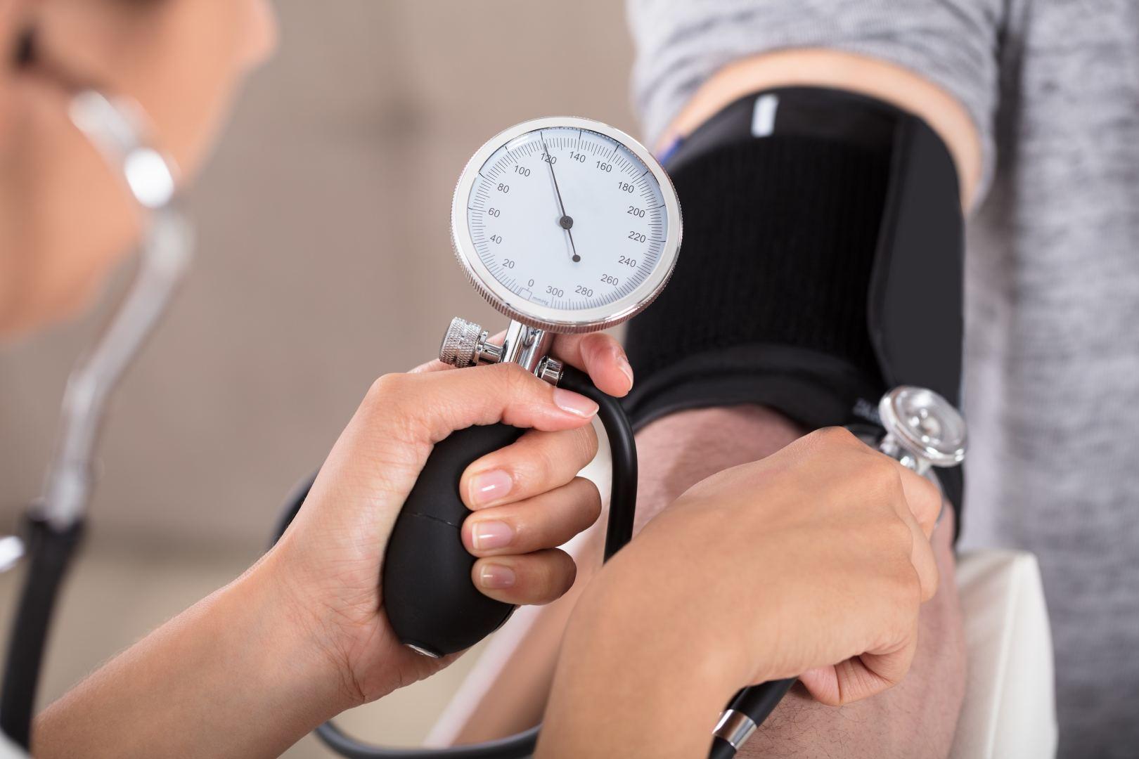kodėl hipertenzija jauname amžiuje