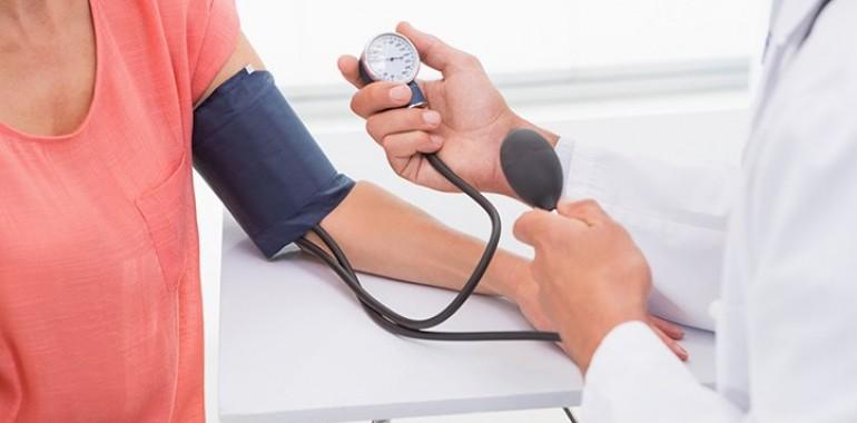 hipertenzija ir hipertermija nuo kokio amžiaus prasideda hipertenzija