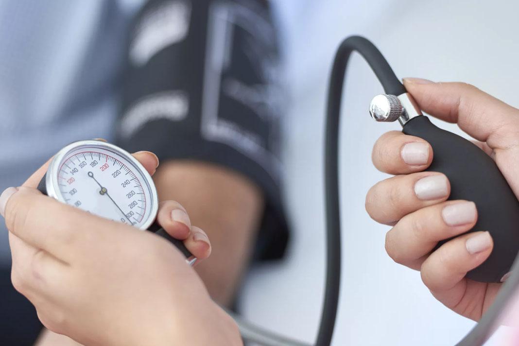hipertenzijos dieta hipertenzija nuo nugaros problemų