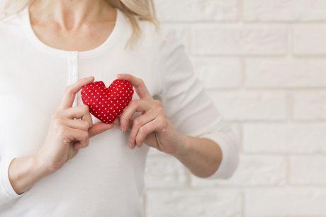 pakitimai akyse su hipertenzija veido paraudimas ir hipertenzija
