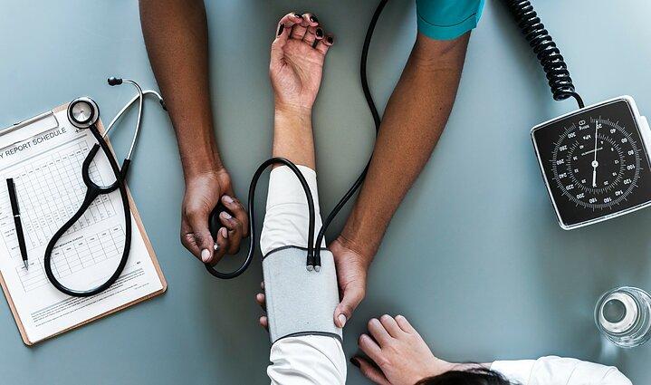 ar galima apsilankyti baseine sergant hipertenzija apykaklės masažas ir hipertenzija