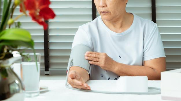 vaistai, didinantys kraujospūdį nuo hipertenzijos širdies sveikatos raudonieji vynai